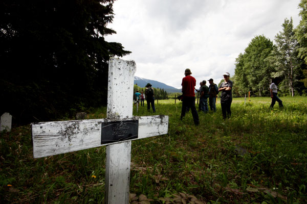 Community seeks right to bury own