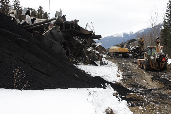 Train derails near site of 2003 tragedy