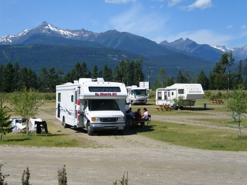RV readers' choice honours local stops