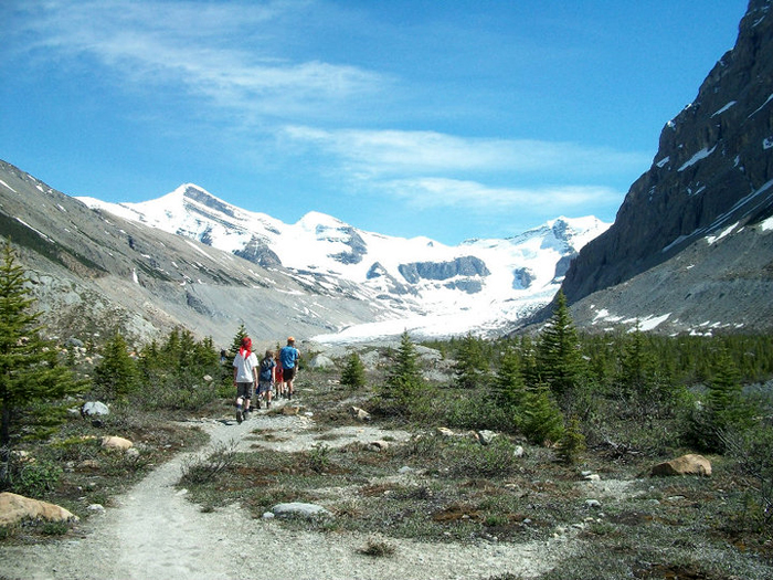 Valemount students continue traditional trek to Berg Lake