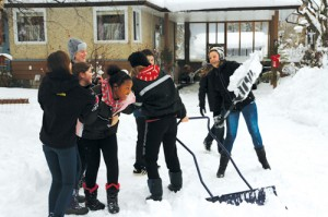 snow day, snow, shovel, shoveling, help, good deed