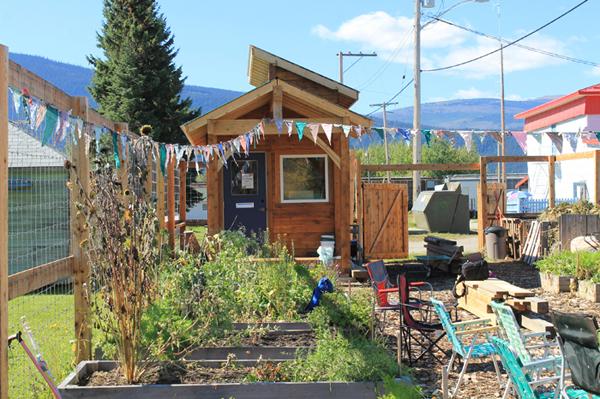 Open gate garden McBride (1)