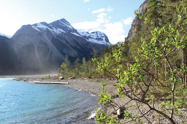 Kinney Lake trail re-opens, trail to Berg Lake still closed