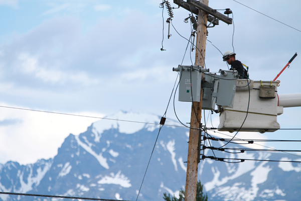 Valemount power outage affecting 974 customers; travel advisories due to snowfall