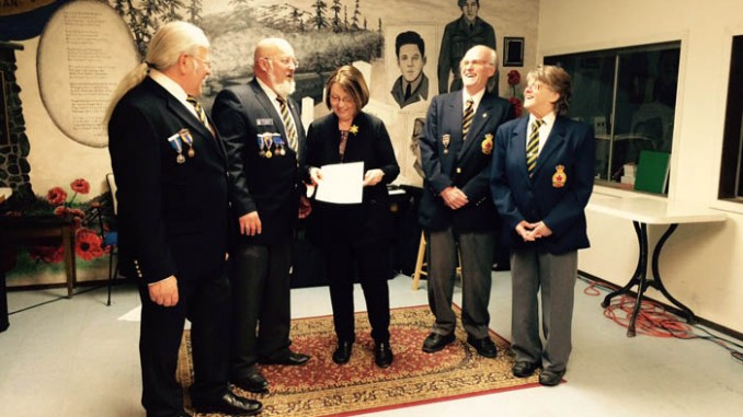 Bond presents cheque for valemount legion furnace 2_web