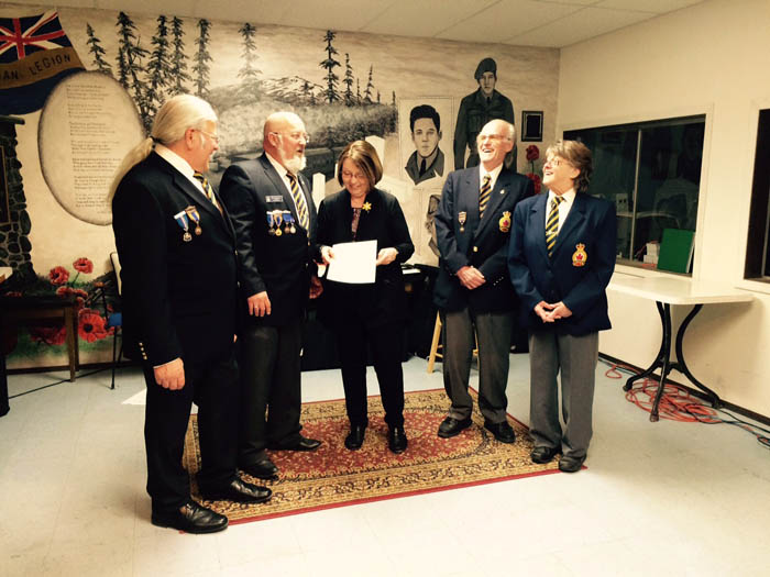 Bond presents cheque for valemount legion furnace 2_web