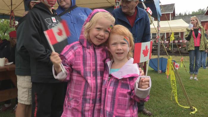 Two little girls w flags_web