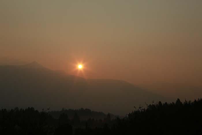 Kinbasket burns; air quality plummets