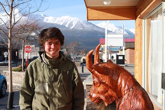 30,000km to help other kids: Saskatoon youth seeks world record