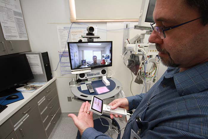 Less anxiety for rural docs in trauma room with CODI app
