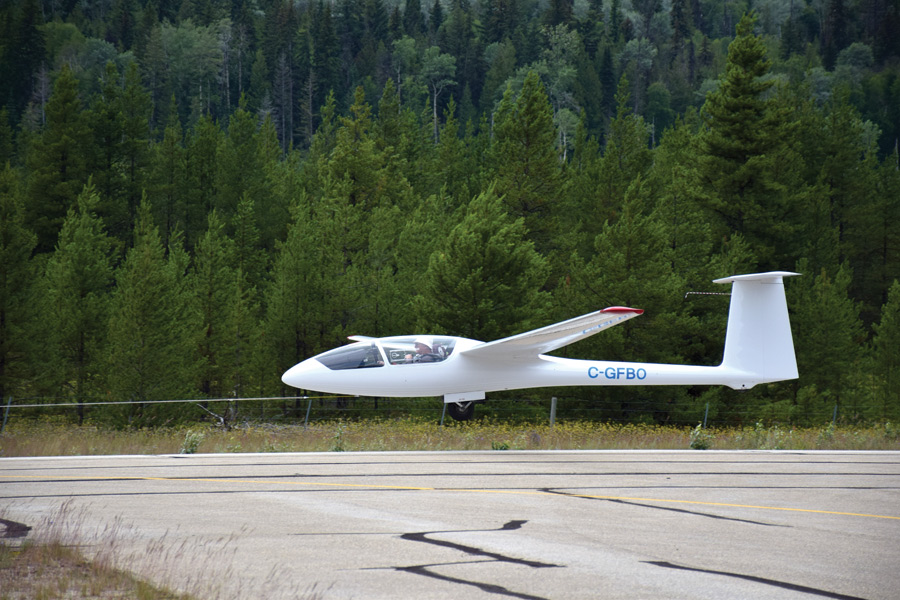 Soaring: gliding club comes to Valley