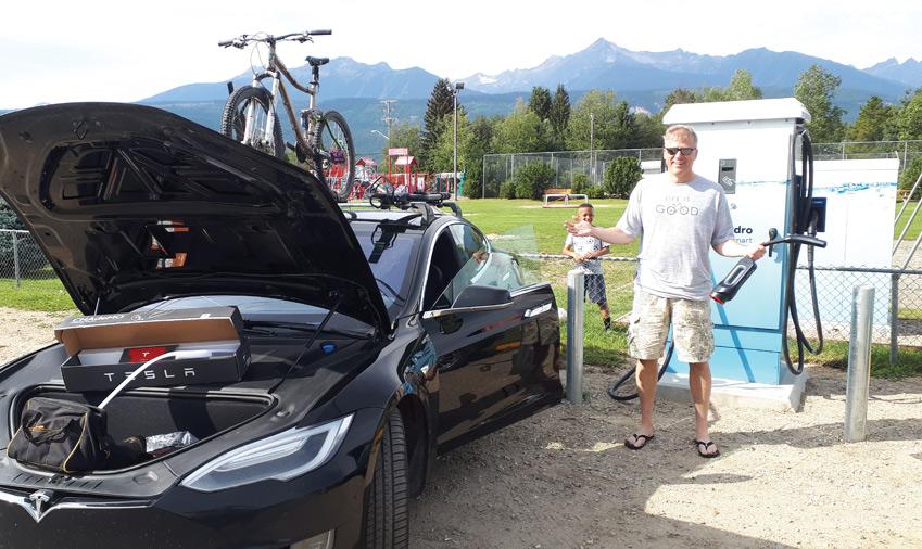 Tesla travails