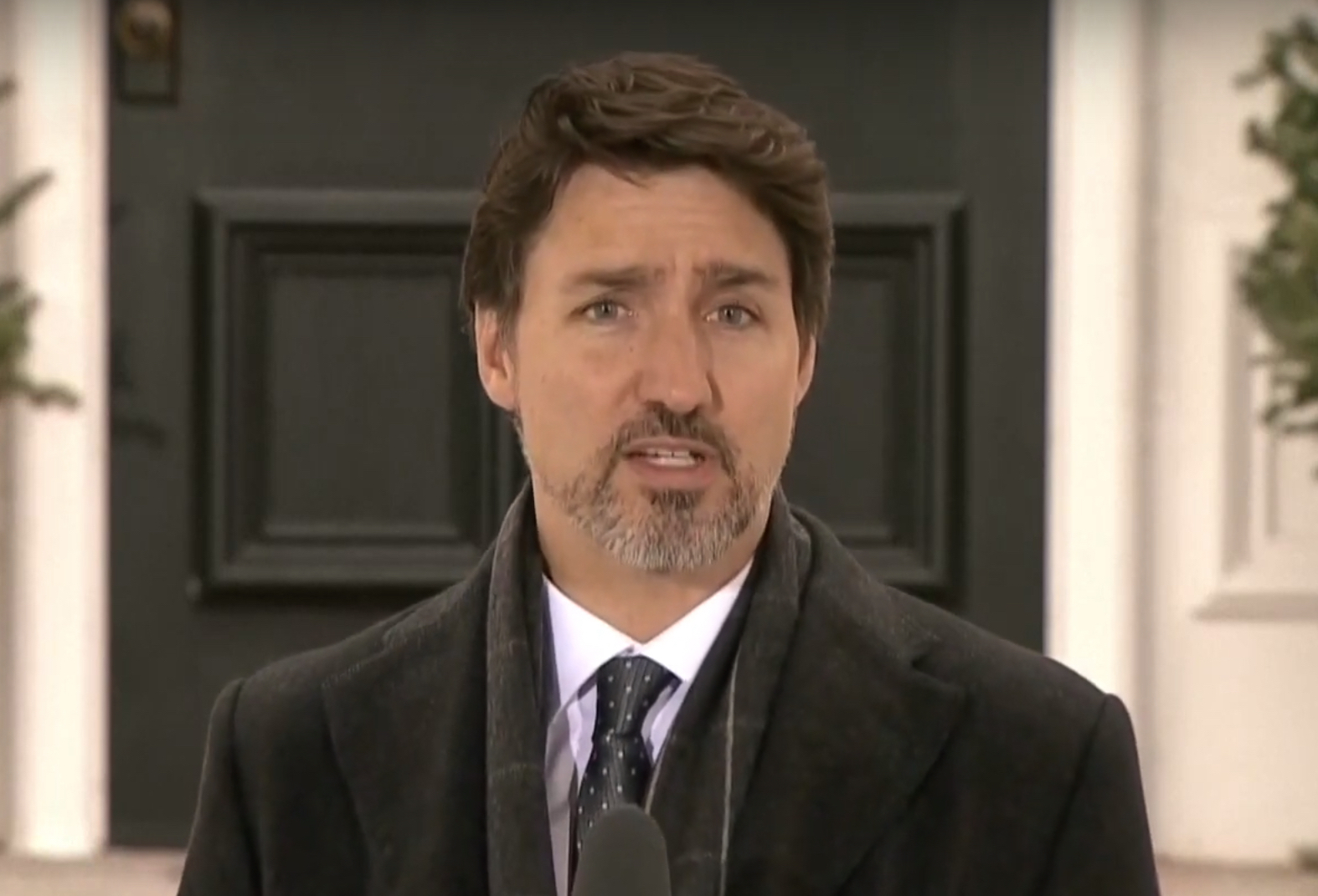 Trudeau announces $82 billion for workers and businesses