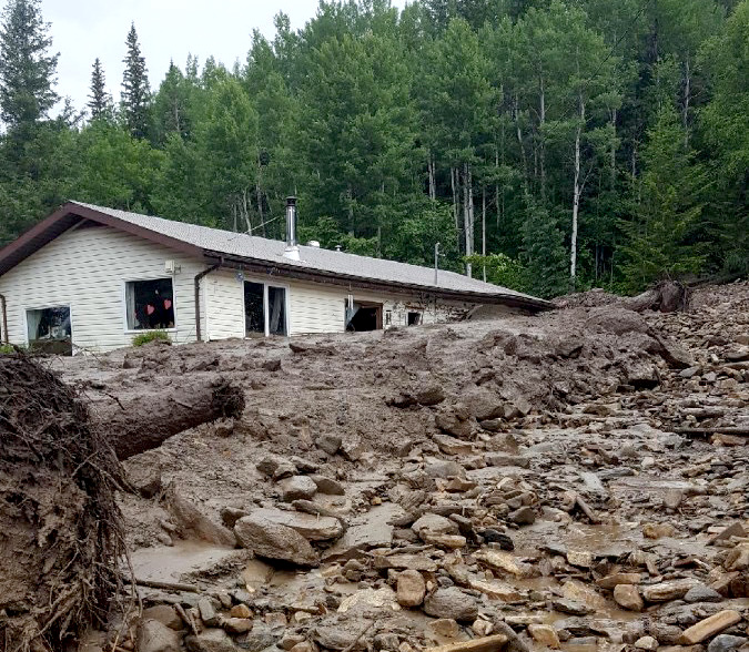 Sliding mud: essential help came from neighbours