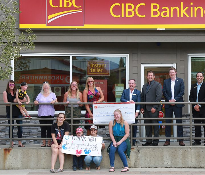 Bankers donate to local kids