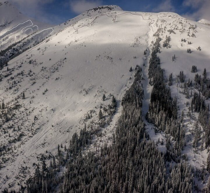 Avalanche near Valemount claims one life