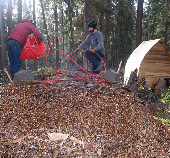 Compost Innovation: a compost-heated sauna and more