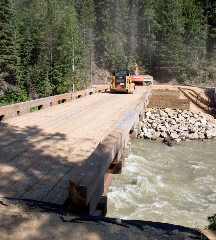 New Crystal Ridge bridge takes shape